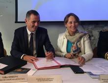 """Ségolène Royal et Gilles Simeoni signent un protocole d'accord sur l'approvisionnement en gaz naturel de la Corse dans le cadre de la mise en œuvre de la PPE aujourd""""hui à Bastia"""