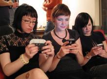 Tlc: al via consultazione pubblica su fine roaming