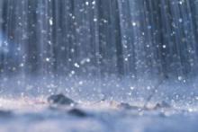 Maltempo, pioggia nel weekend: codice giallo per rischio idrogeologico. Neve sull'Appennino